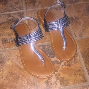 Cat & Jack Black and Silver Girls Sandals Size 3